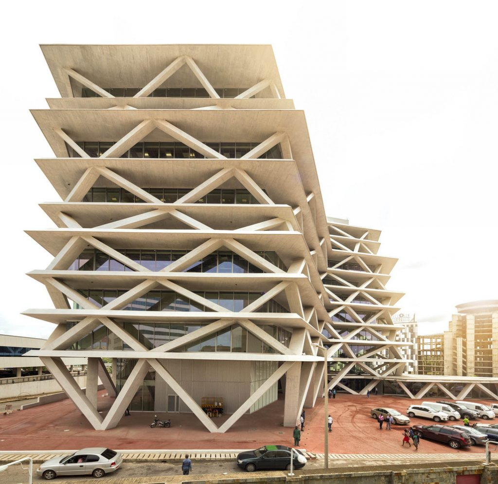 Building Obsession: One Airport Square, Airport City, Accra - Ghana. Image Source: Fernando Guerra | FG+SG