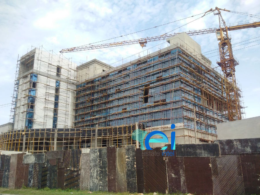 June 2017. Development: Twin Waters Entertainment Centre, Lekki Phase 1 (Right), Lagos